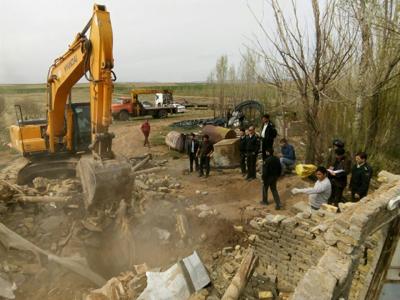 16 حلقه چاه غیرمجاز دردشت سجاسرود شهرستان خدابنده پر و مسلوب المنفعه شدند.